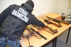 56-letni mieszkaniec powiatu szefem gangu handlarzy bronią