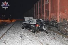 Auto zderzyło się zpociągiem