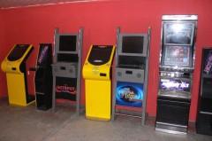 Uderzenie wnielegalny hazard. WBiłgoraju zatrzymano 11 automatów do gier