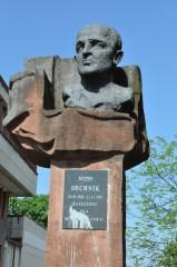 Zdewastowano pomnik Dechnika