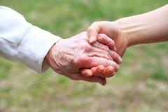 Opieka osób starszych praca dla każdego?