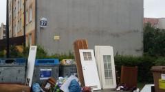 """Przepełnione kontenery na """"Ogrodach"""""""