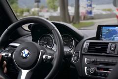 Czy warto korzystać zusług wypożyczalni samochodów luksusowych?