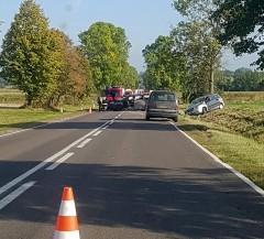 Zderzyły się trzy auta. Droga zablokowana