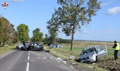 Zderzyły się trzy auta. Droga zablokowana [AKTUALIZACJA]