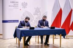 Umowy na remont trzech dróg powiatowych podpisane