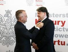 """Janusz Jarosławski uhonorowany Brązowym Medalem """"Zasłużony Kulturze Gloria Artis"""""""