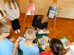 Barbara Gawryluk odwiedziła czytelników wAleksandrowie