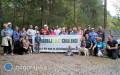 Seniorzy sprzątali las